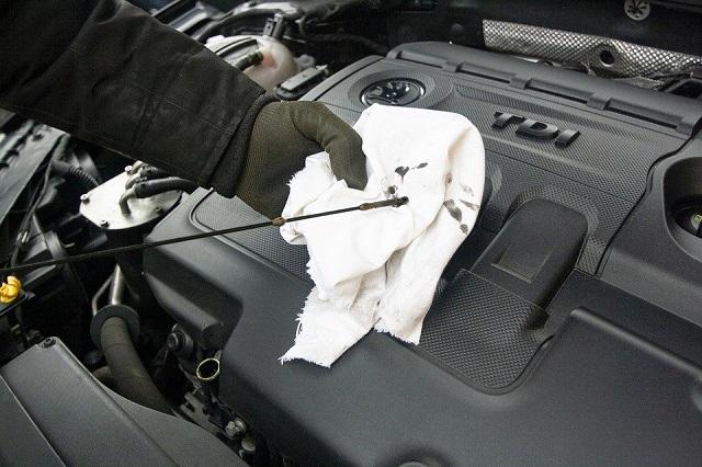 provera ulja u motoru